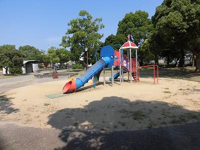 北川添公園(くまのパン屋の東隣)