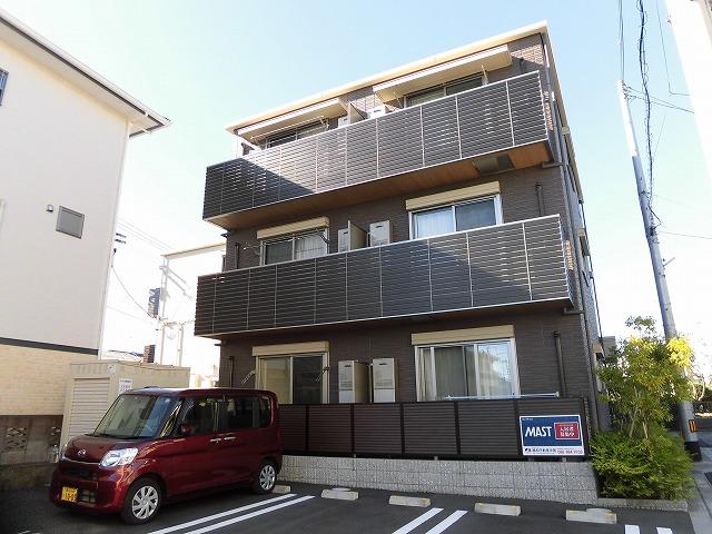 高知市南金田の住宅街にある最上階の2LDK、築浅物件♪