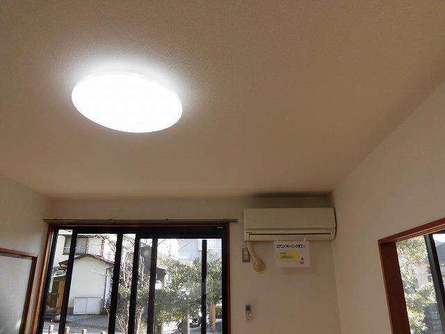 照明は全部屋付き・エアコンはリビングに1台
