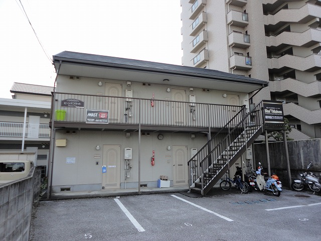 高知市高須単身向けアパート1Kの間取り、2階建て1階角部屋♪