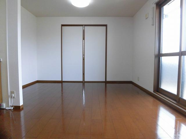 洋室とリビングの引き戸を閉めといても良し。