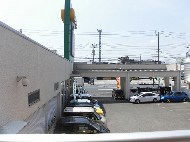 眺望(南側に車屋さんがあります)