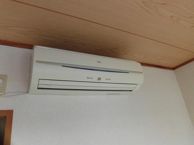 エアコンは和室に1台