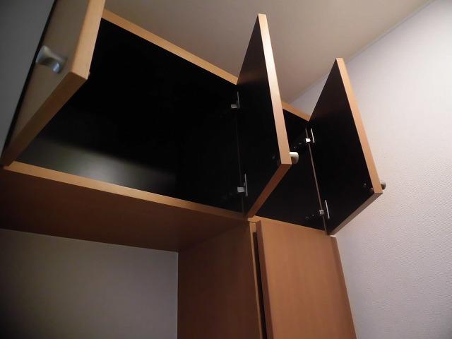 天井の高さまで収納できます
