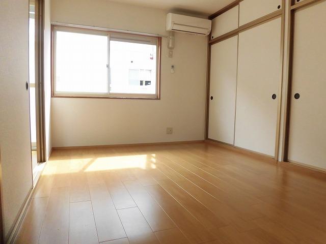 6帖洋室(西側)