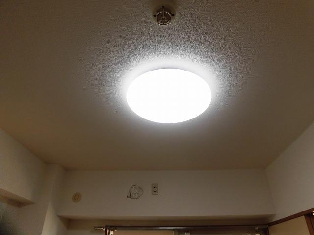 照明は全部屋(カバー付きます)