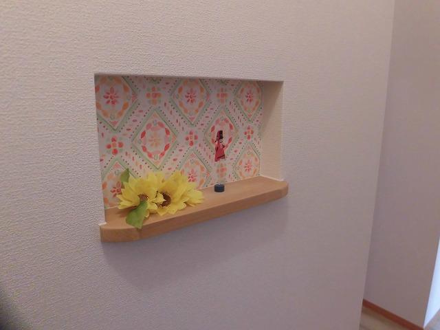 玄関にも小物置きがありとても可愛いです♪