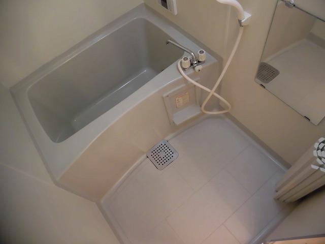追炊き付きの浴室