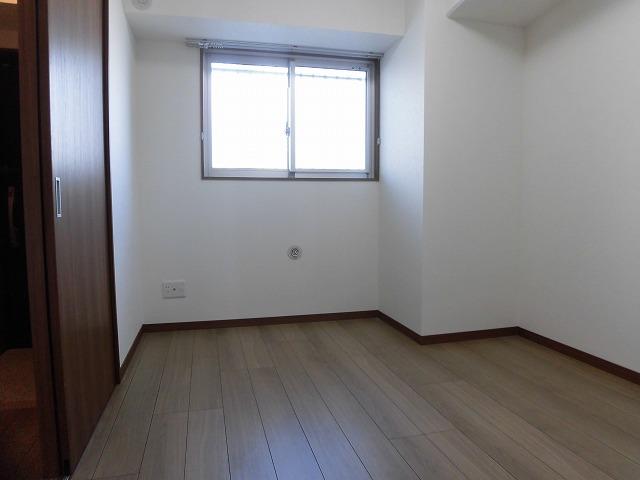 北側5.4帖洋室