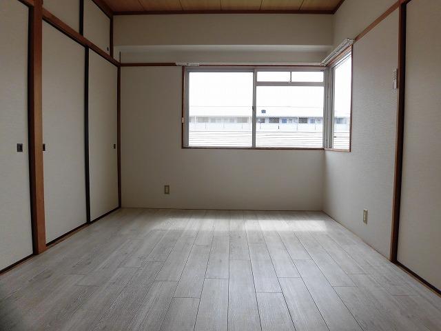 6帖洋室(東側)